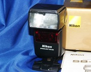 Фотовспышка .. Nikon Speedlight SB-600 ..